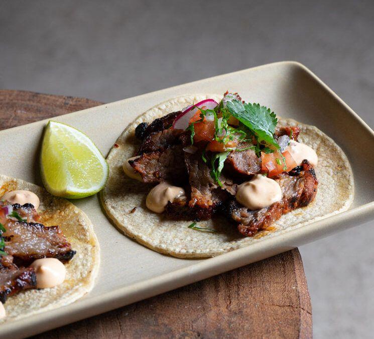 Aprende a hacer nuestros Tacos de Chingón Ibérico con 'kimchi'